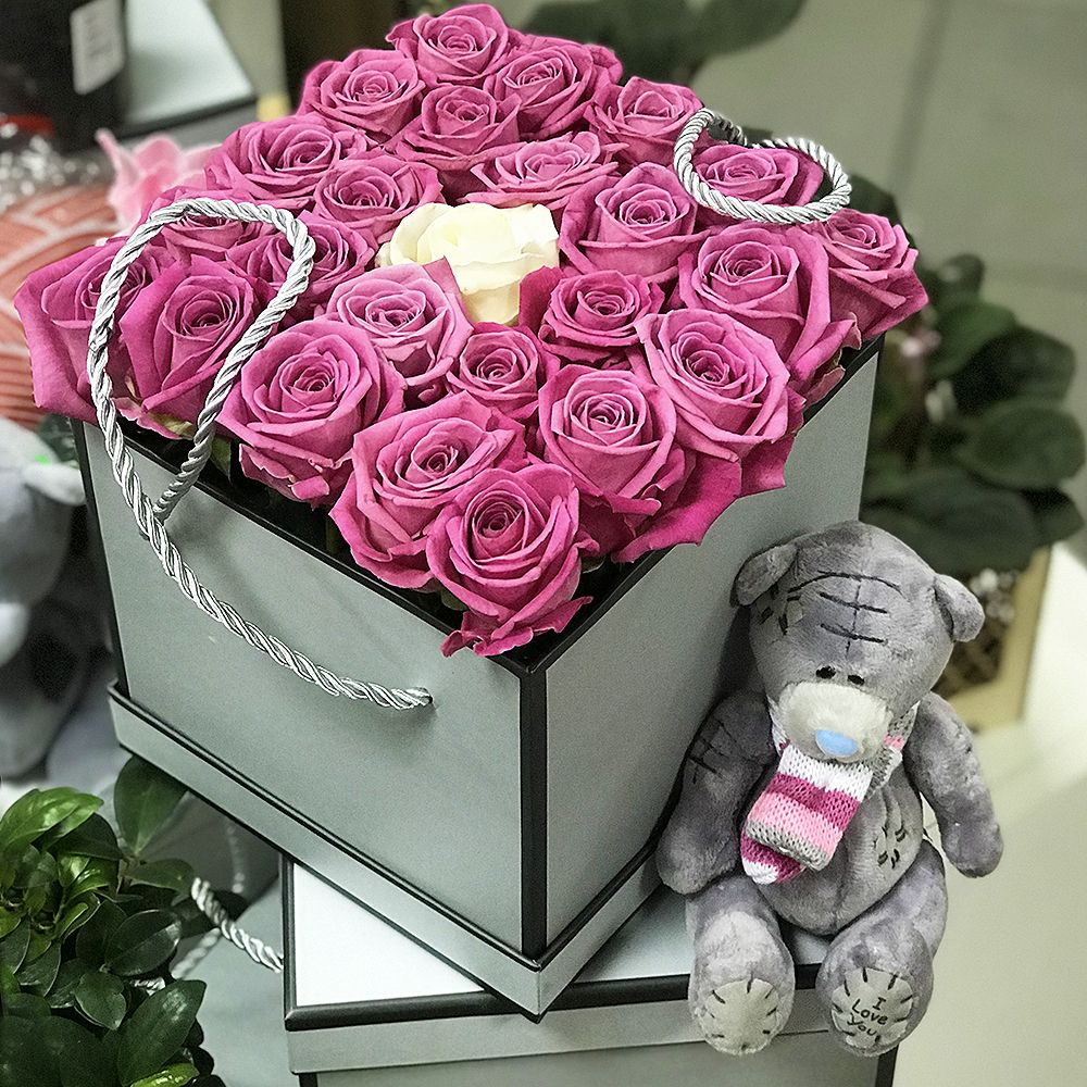 Bouquet Pink roses in box