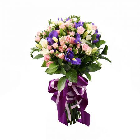 Mild bouquet, bouquet of white freesias